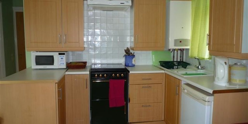 kitchen area of chalet lhs 35